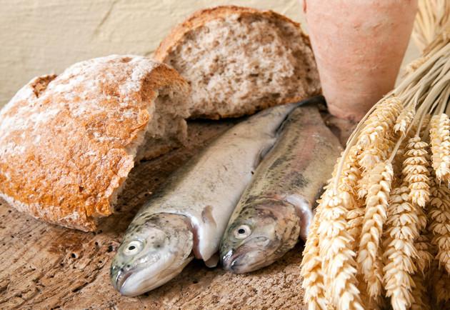 Multiplicando pães e peixes